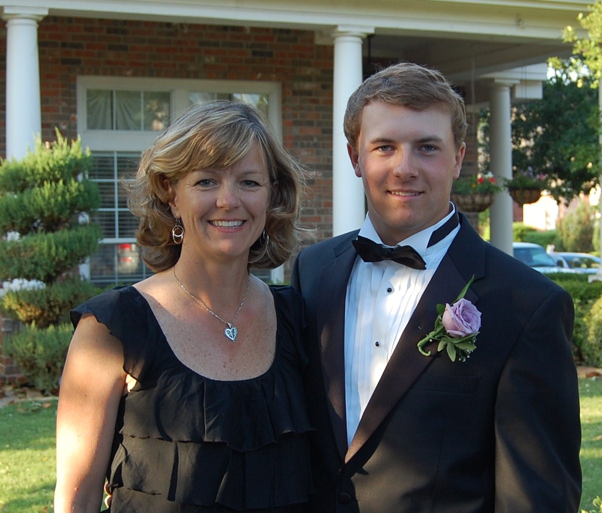 a mom before the prom Home first time stories a prom night to remember it was the week before prom and the whole grade was pumped for though had to hide them from my mom.
