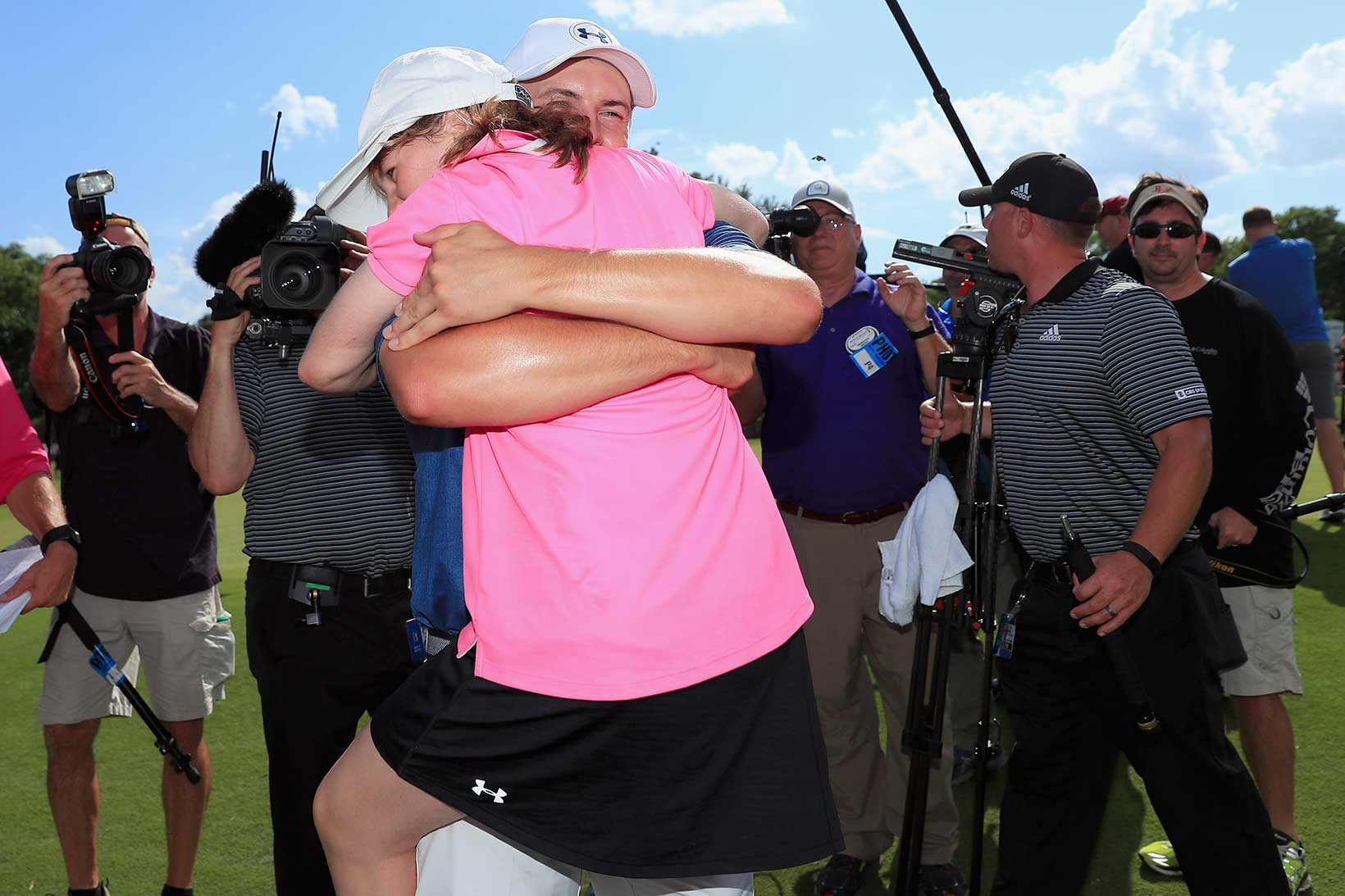 2016 Dean & Deluca Invitational: Final Round - A Hug for Ellie