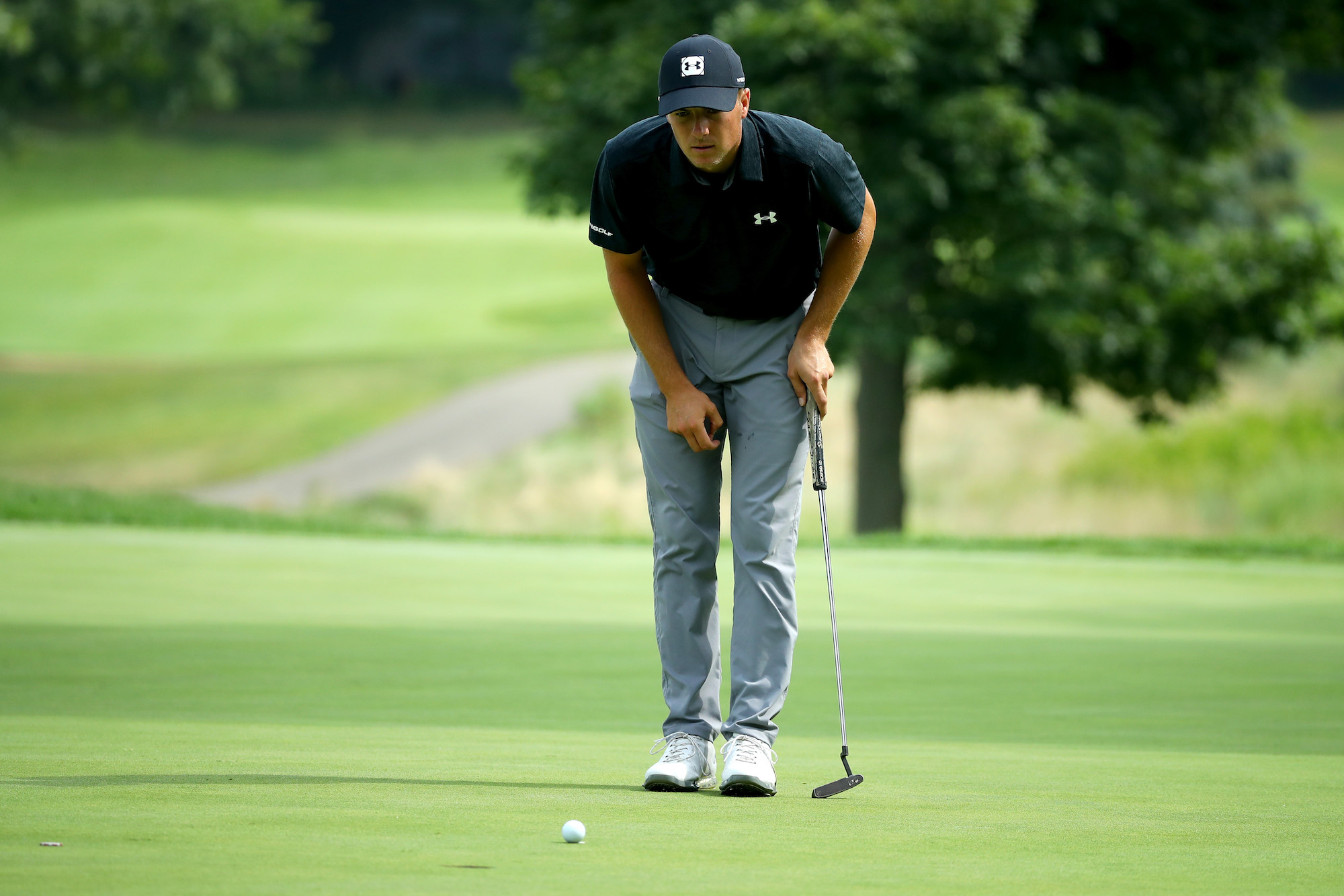 2018 WGC-Bridgestone Invitational: Round 1 - Lining Up a Putt on No. 5